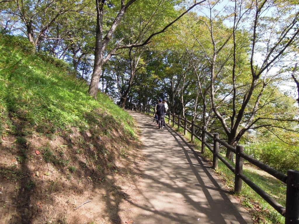 船岡城址公園登り坂1